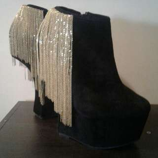No Heel Black Suede Wedge