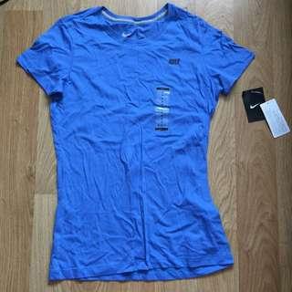 Nike Women's Slim fit T-shirt