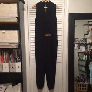 Guess Black Sleeveless Jumpsuit With Gold Belt Size L