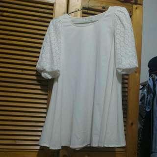 米白色蓬蓬蕾絲袖雪紡傘狀洋裝長上衣