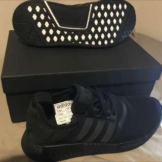 Adidas NMD R1 Triple Black US10