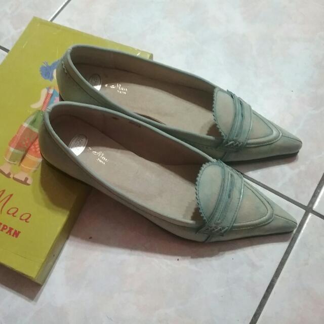 2.Maa Japan 湖水綠平底鞋8號  降價賣喔!