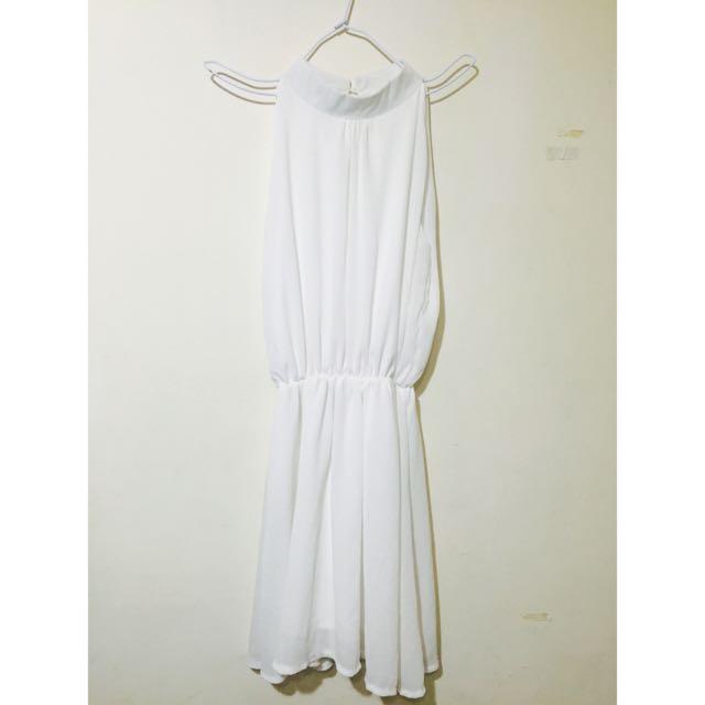 白色削肩洋裝