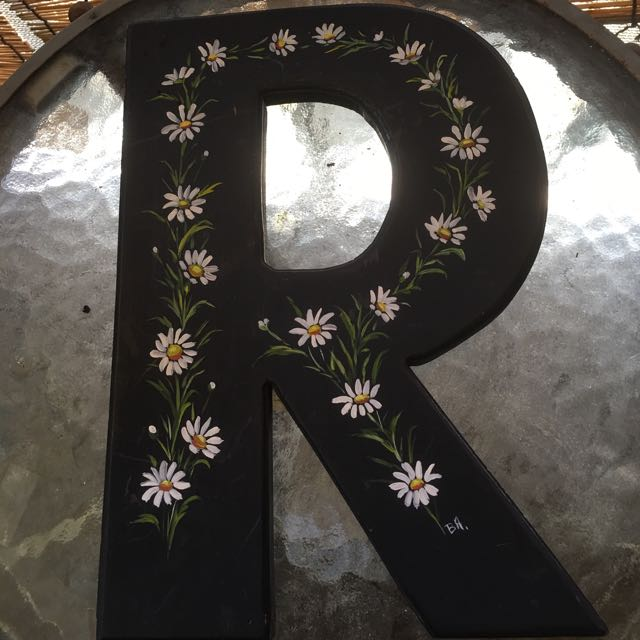 Decor With The Letter 'R'