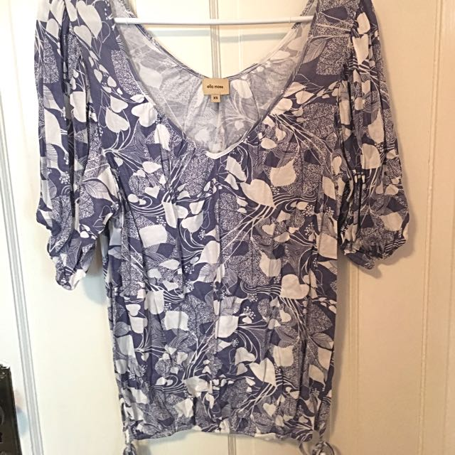 Ella Moss XS V Neck Top