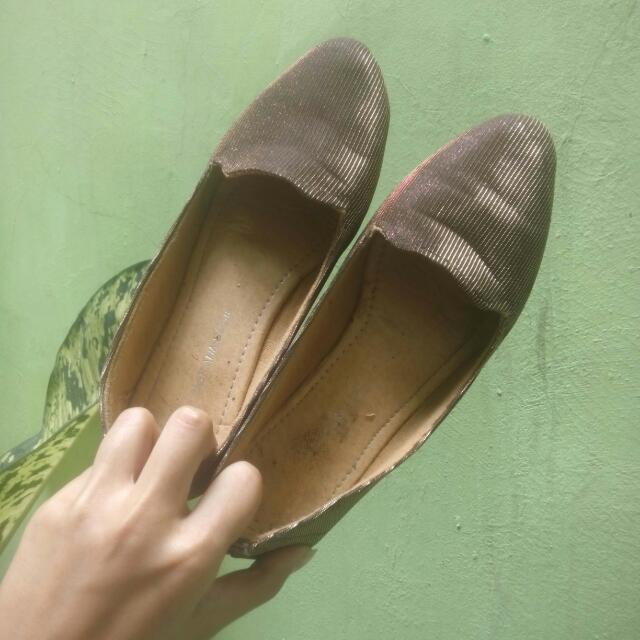 REPRICE!! Flatshoes Gold Bling