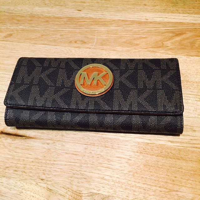 Michael Kors Fulton Flap Continental Wallet Signature MK Brown