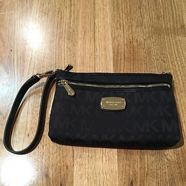 Michael Kors Jet Set Large Wristlet Black