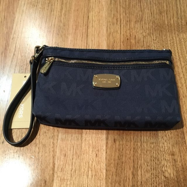 Michael Kors Jet Set Large Wristlet In Navy