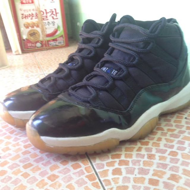 separation shoes f1bf1 2f2f1 OG 2000 Nike Air Jordan 11 Space Jam, Men s Fashion, Footwear on Carousell