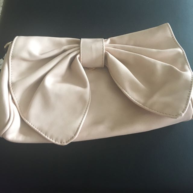 Pink Cream Bow Bag With Shoulder Chain Strap