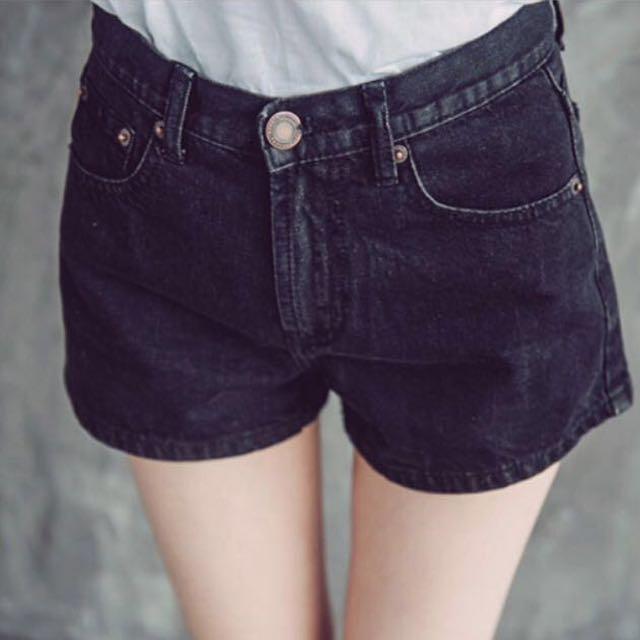 Queen Shop 黑色牛仔高腰短褲