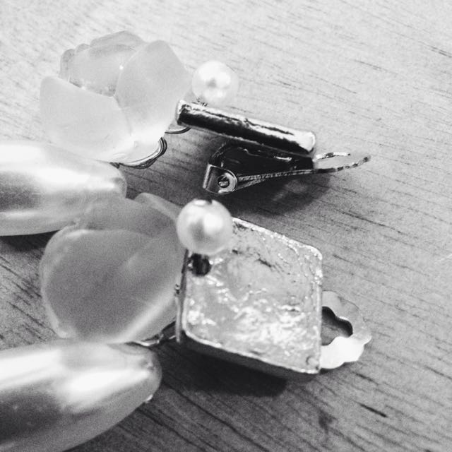 Rose Petals Ear Pendants With Gold Clip-ons