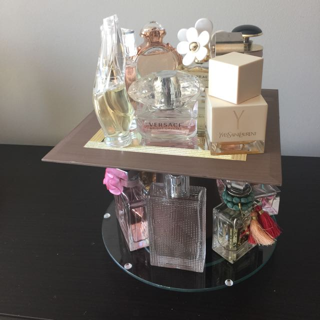 Rotating Perfume Holder