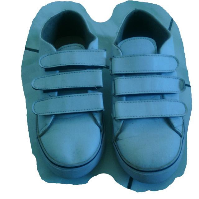 Sepatu Brand