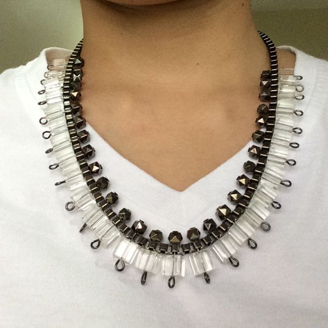 Statement necklace glass beads