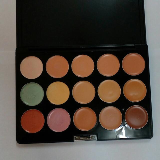 Suesh - 15 Color Concealer & Corrector Palette