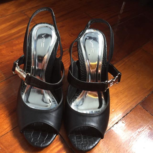 VNC Black Leather Peep Toe Sling Backs