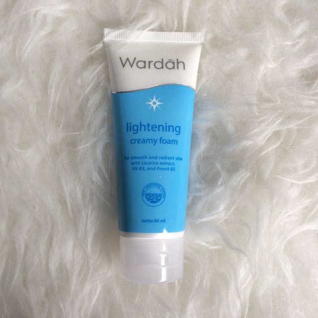 Wardah Lightening Creamy Foam