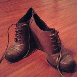 Size 6- Leather Shoes