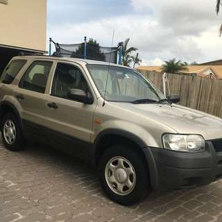 Ford Escape XLS SUV 2005