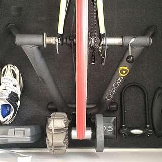 CycleOps Fluid 2 Trainer, Riser Block, Training Mat, Trainer Wheel, Cassette