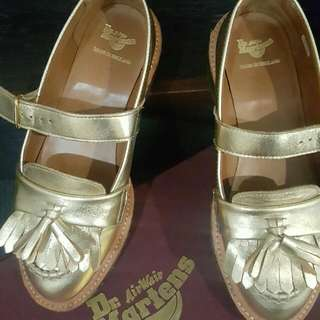 Dr Martens , Made In England Mary Jane Abril Gold US 4 UK 3