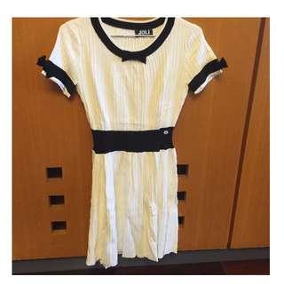 歐美設計款氣質小香風藍色滾邊蝴蝶結白色針織傘狀洋裝