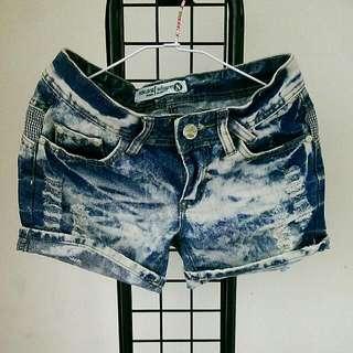 牛仔短褲 #兩百元短褲