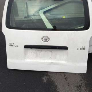 Toyota Hiace 2013 LWB Wrecking All Parts