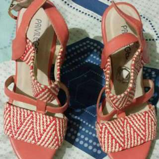 2nd Hand Authentic Priveledge wedge sandals size 6
