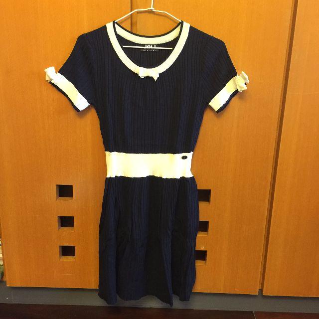 歐美設計款氣質小香風白色滾邊蝴蝶結藍色針織傘狀洋裝