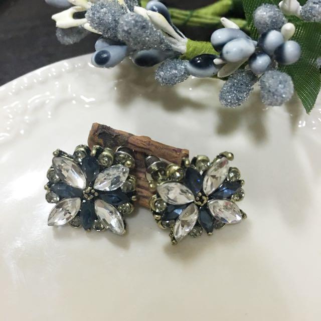 ✨全新✨高雅藍白鑽耳環