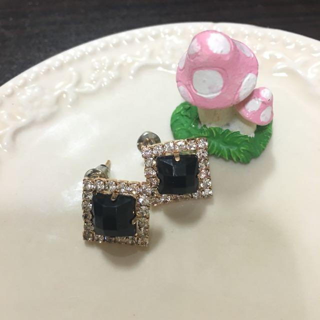 ✨全新✨白綠鑽方型耳環