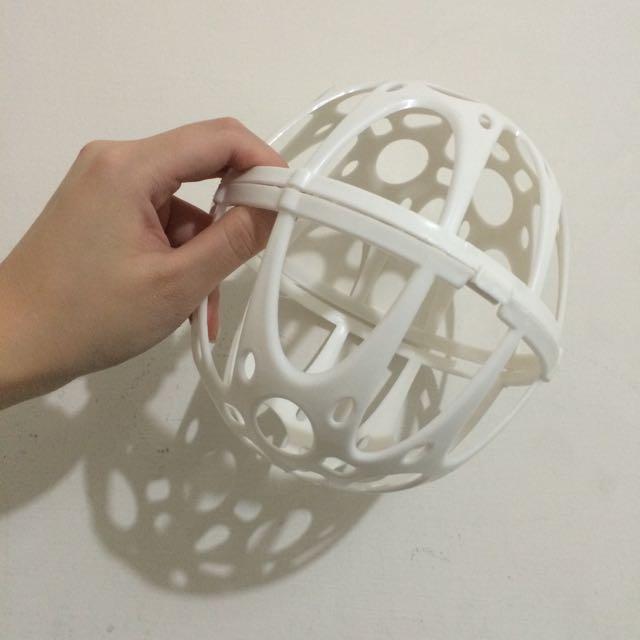 白色內衣球