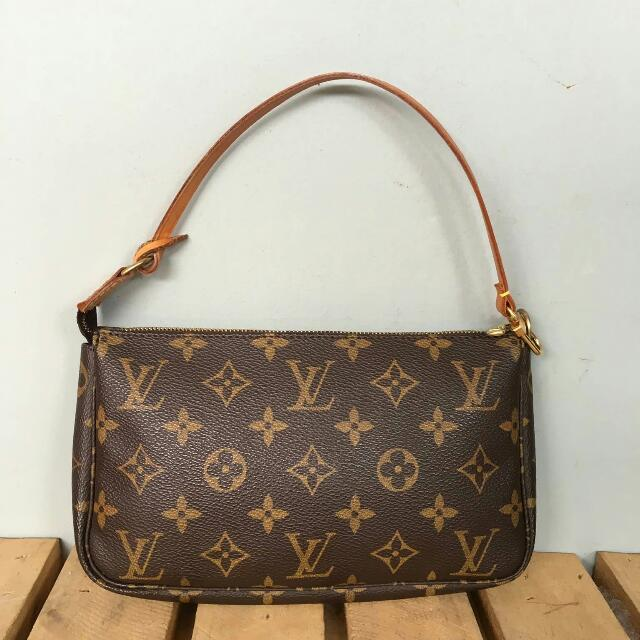 Authentic Louis Vuitton Pochette Accessory
