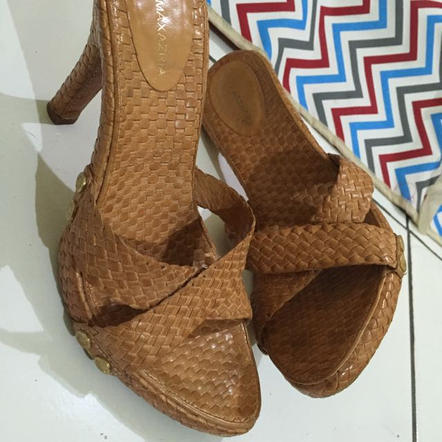 Bcbg Max Azaria Nicasia 2 Tan 38/39 Preloved