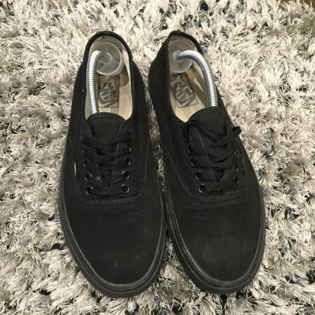 Black Vans size 10