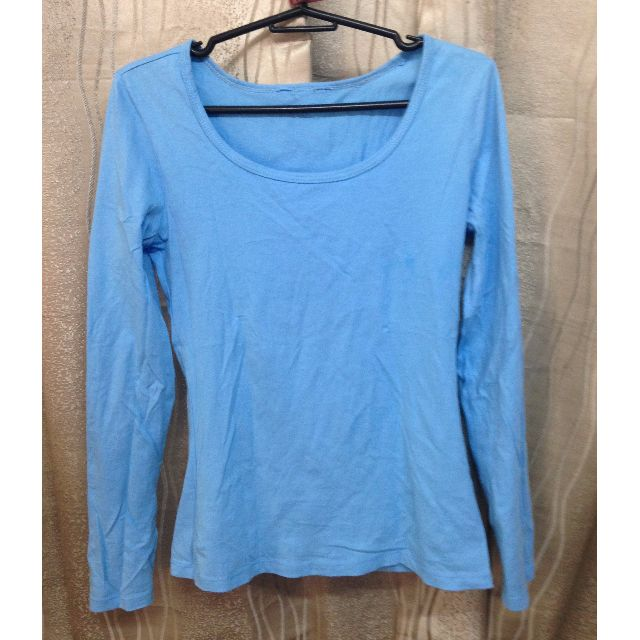 blue long sleeves