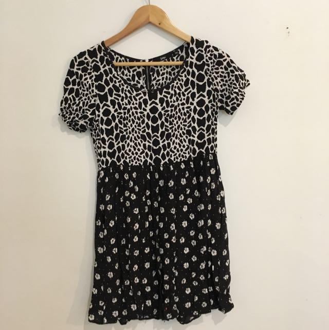 Bold Print T-shirt Dress