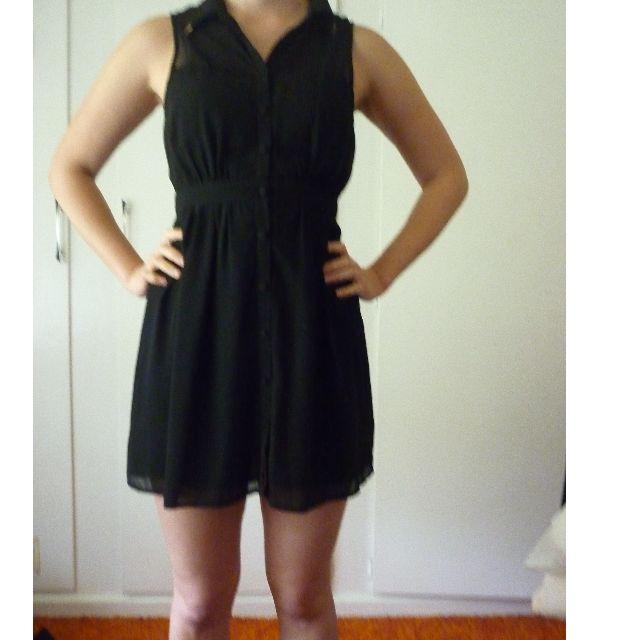 Dotti size 8 black button-down dress