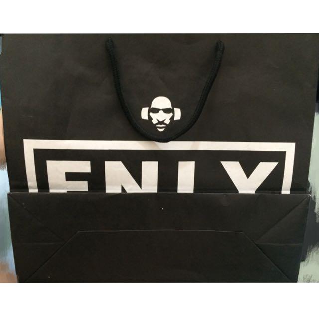 F.N.L.Y 420 Friendly潮牌黑白配色手提寬扁紙袋