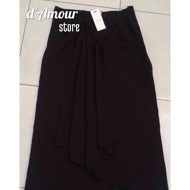 GAUDi Black Skirt