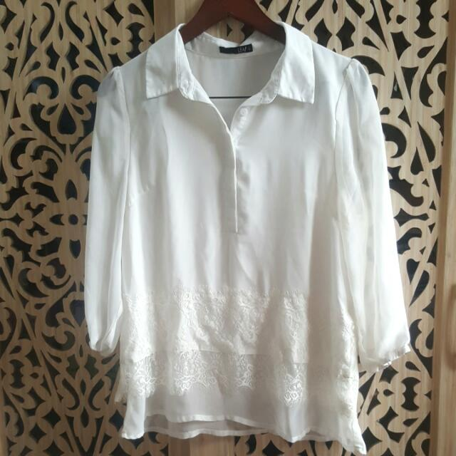Leaf - White Shirt With Lace Detail