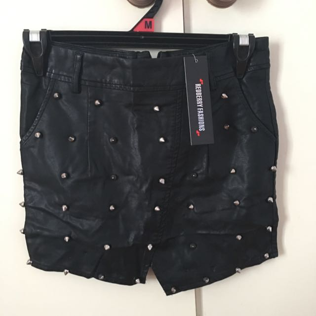 New Redberry Fashion Skirt Size Small