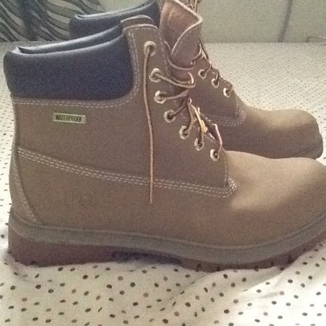 5b5597619cad8 Repriced SALE!!! -RUGGED OUTBACK HIGH CUT BROWN SHOES - BRAND NEW on ...