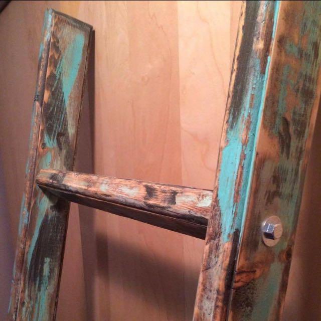 Rustic Teil Blanket Ladder