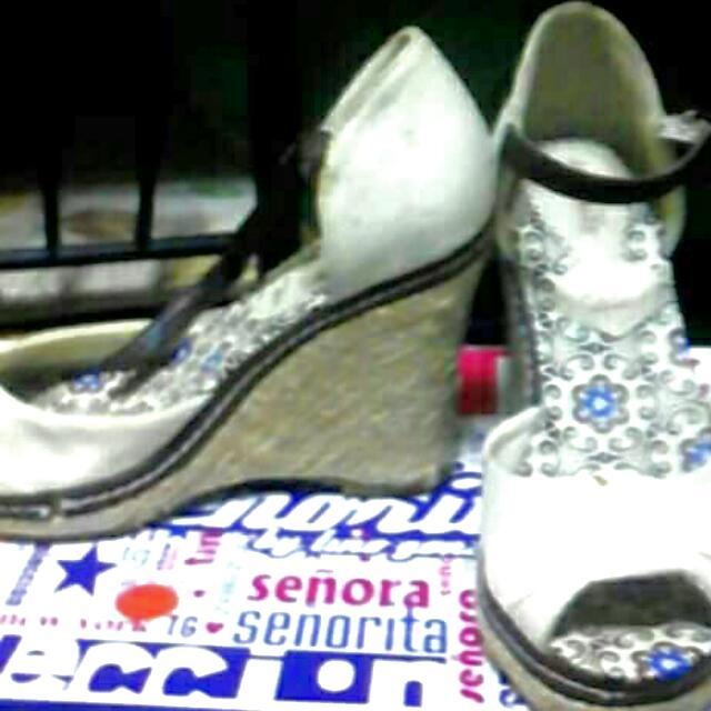 Señorita Wedge Sandals