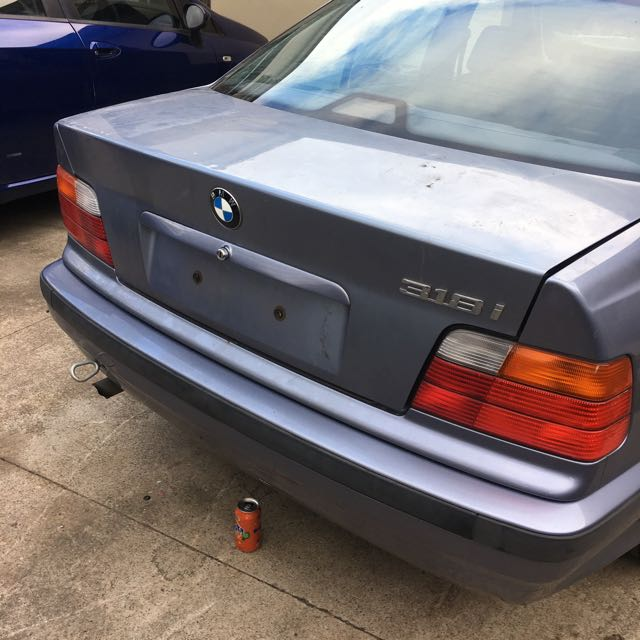 Wrecking Bmw 318i 1992 All Parts.