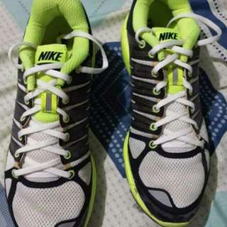 2nd hand authentic Nike Rubber Shoes For Men Size 10
